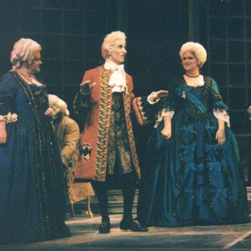 Manon - Guillot (center)